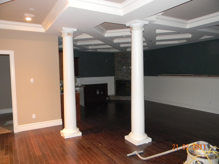 Decorative Pillars and Ceiling